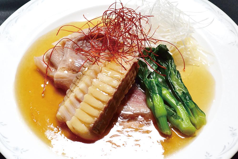 カスベと旬菜の中国醤油煮